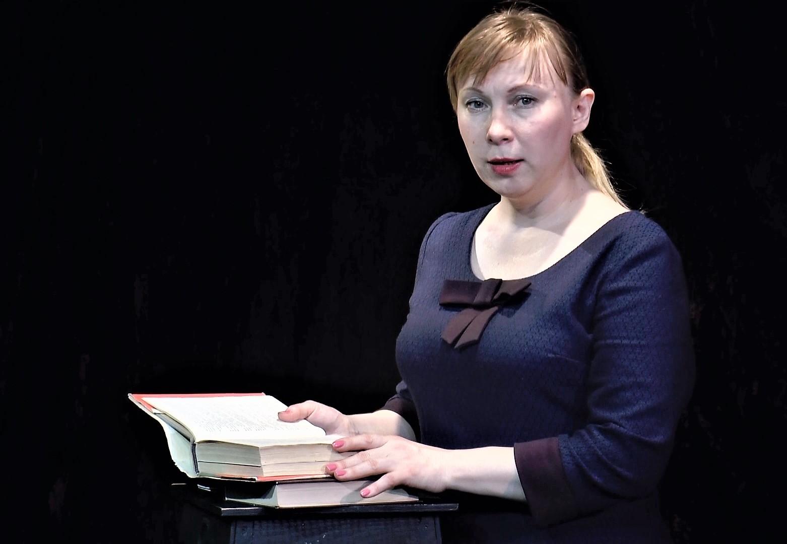 Любовь Казакова читает Маяковского-0-00-09-017 (2)